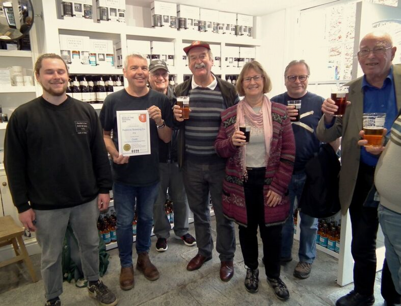 Des and the Padstow Brewery Awards . Champion Strong Bitter of Cornwall 2018 - Padstow IPA
