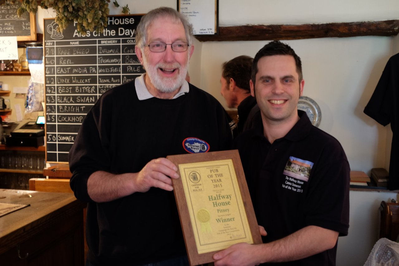 Chairman Phil Emond presenting the Somerset Pub of the Year certificate to Mark of the Halfway House