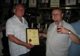 Joint owners Will Williams (left) and Steve Barnes receive the 2004 joint Award.