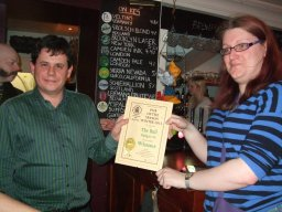 Owner Dan Fox (left) accepts the Winter Pub of the Season Award from Branch Chairman, Catherine Tonry.