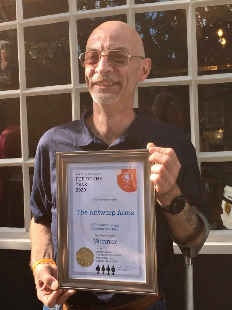 Peter Passam with the Antwerp's Award
