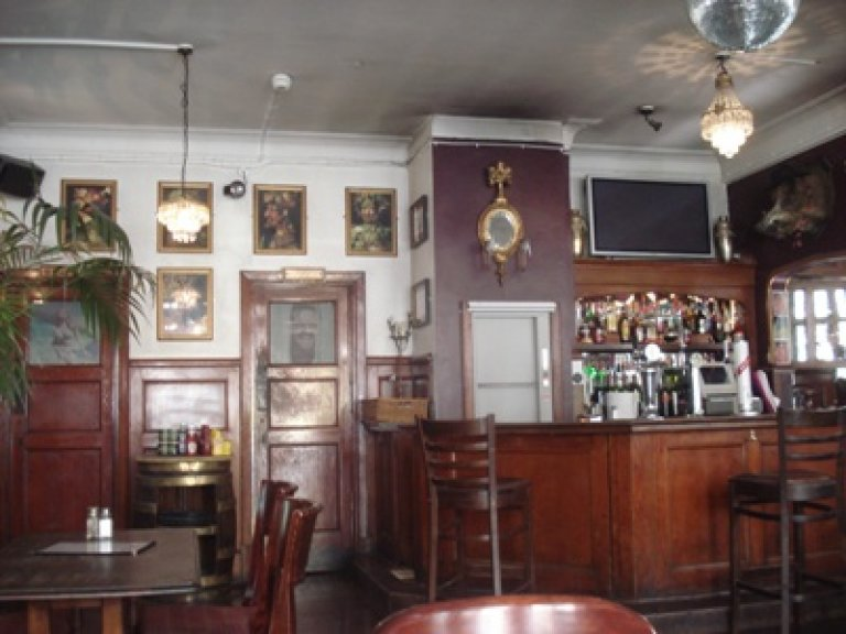 Interior of The Railway Tavern, Crouch End
