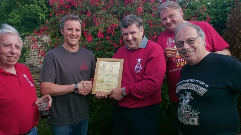 Pub of the Year presentation to the Red Lion, Cricklade.
